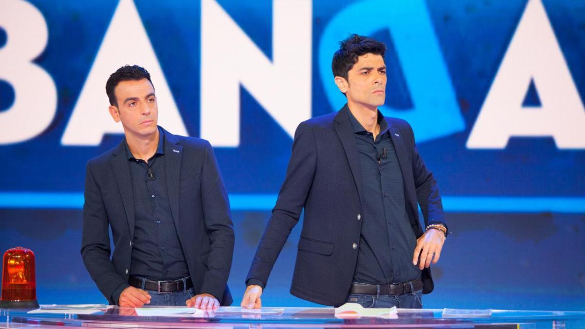 A Sbandati, il 24 aprile a partire dalle 23.45, in diretta su Rai 2, ospite Costantino Della Gherardesca