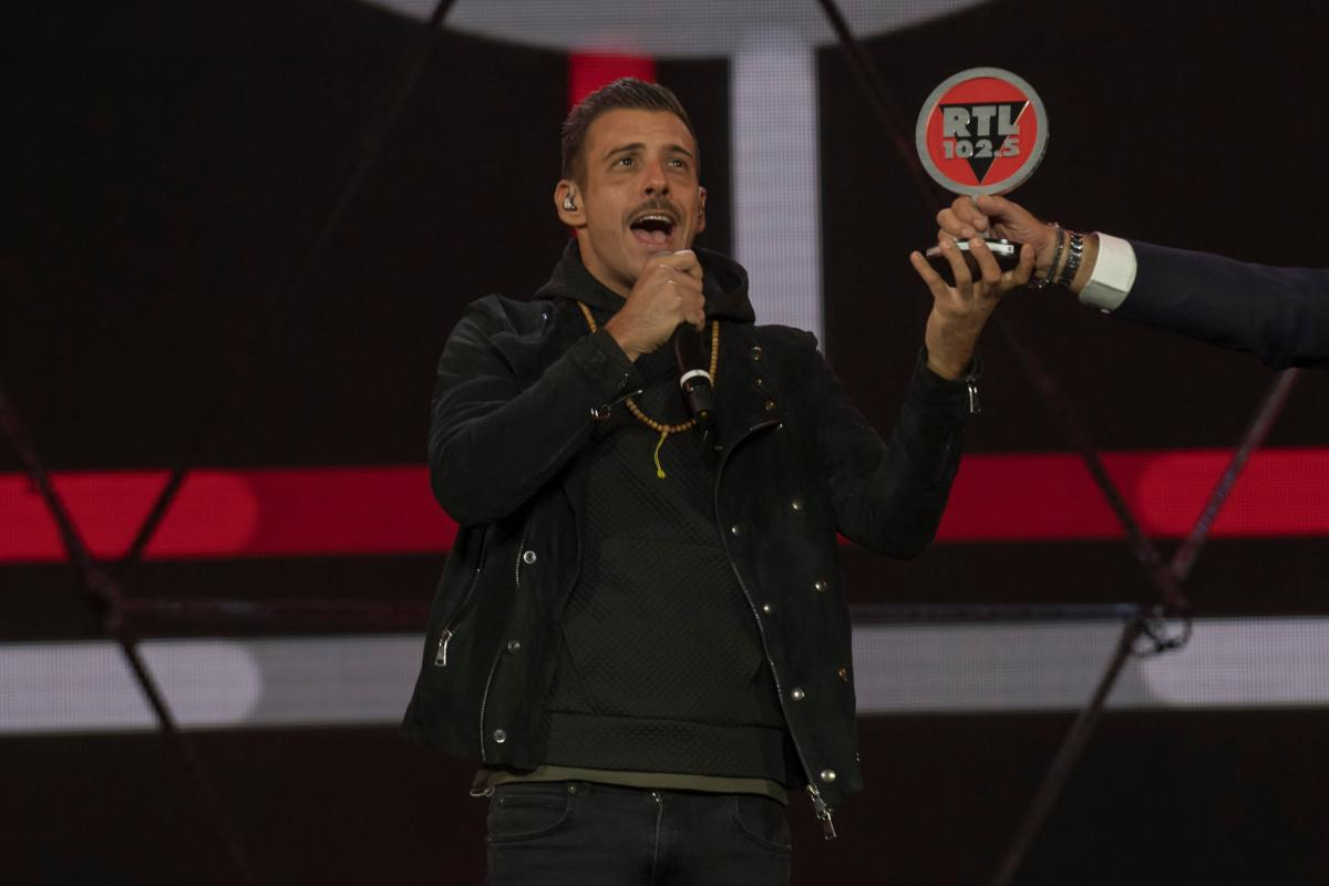 """RTL 102.5 POWER HITS ESTATE 2017"": ""Tra le granite e le granate"" di Francesco Gabbani incoronata Tormentone dell'estate"