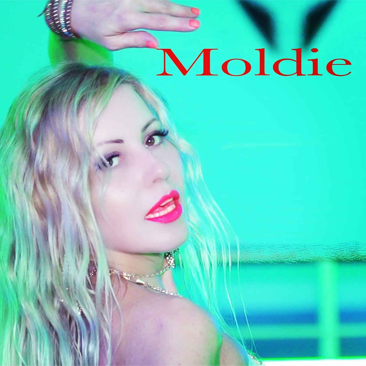 "Moldie in radio  con il nuovo singolo ""Love to be free"""