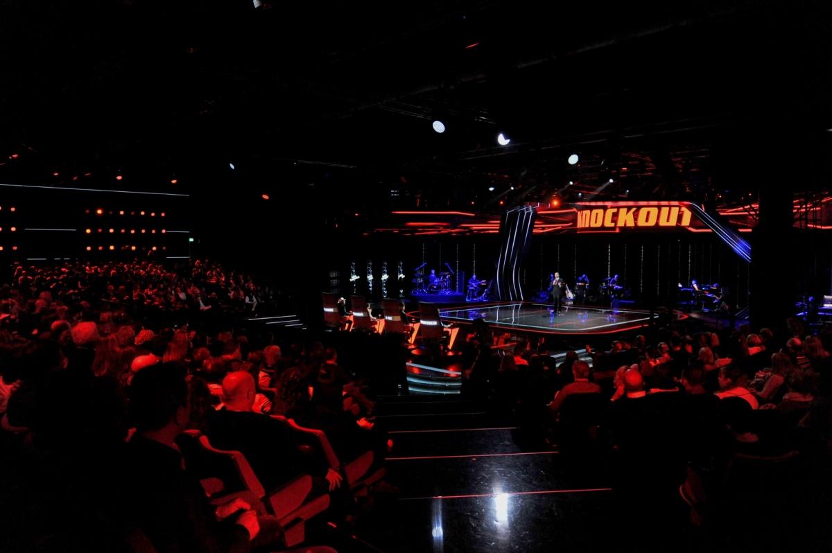 Il ring di The Voice of Italy 2018 giovedì 26 aprile alle ore 21.20 su Rai2 ospita il secondo e ultimo Knock Out, condotto da Costantino della Gherardesca