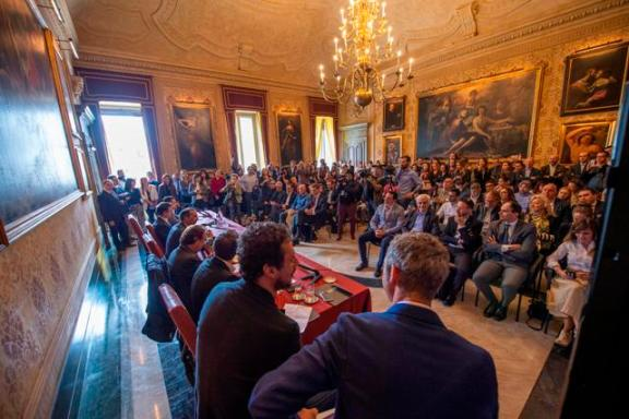 foto conferenza ok2