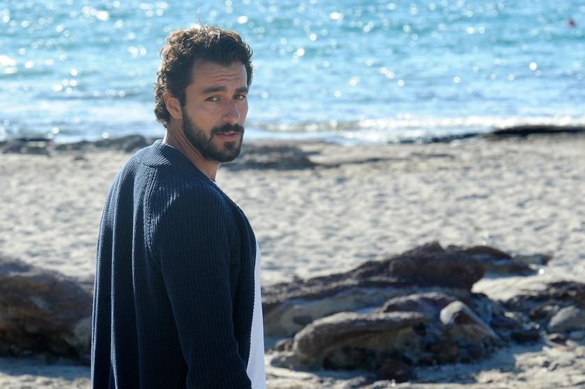 Michele-Rosiello-attore-isola-di-pietro-2-backstage (1)
