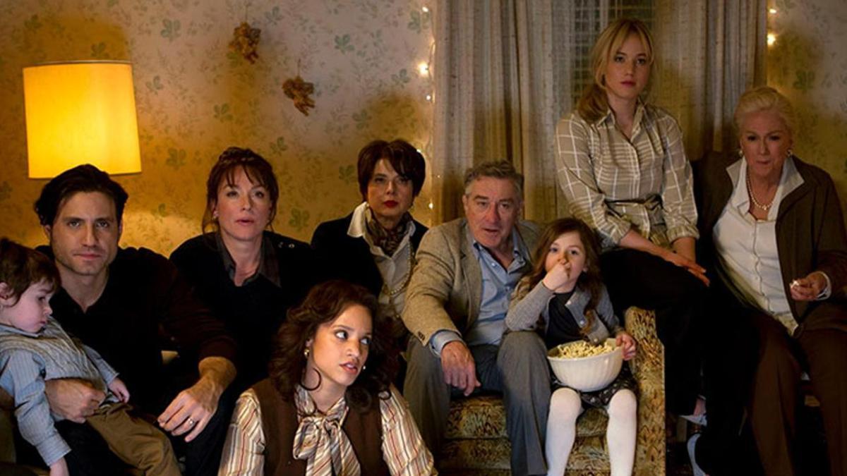 Stasera su Rai 3 il film JOY con Jennifer Lawrence, Robert De Niro, Bradley Cooper, Edgar Ramirez, Isabella Rossellini