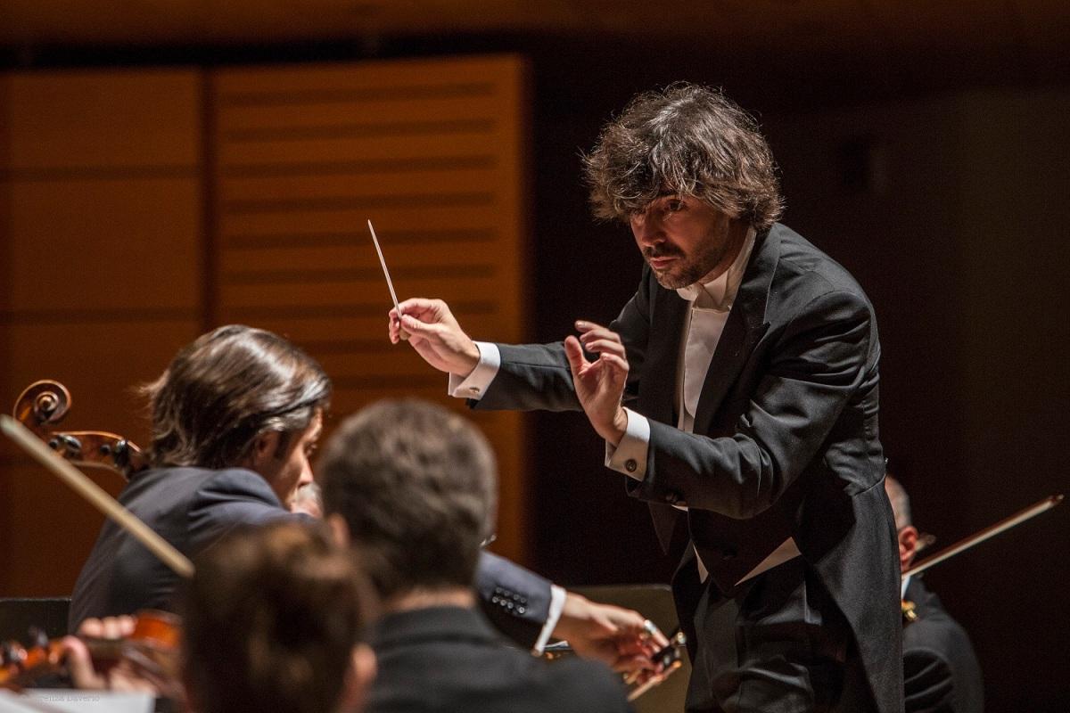 Seconda volta sul podio del Teatro Dal Verme in questa stagione per il Direttore Ospite Principale dell'Orchestra I Pomeriggi Musicali: Alessandro Cadario