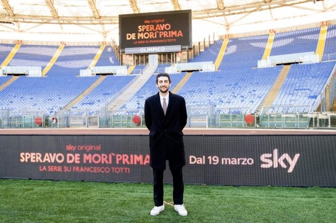 Pietro Castellitto all'Olimpico per la conferenza stampa della serie