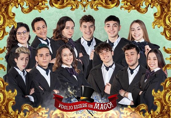 Il cast del talent-reality_12 ragazzi adolescenti